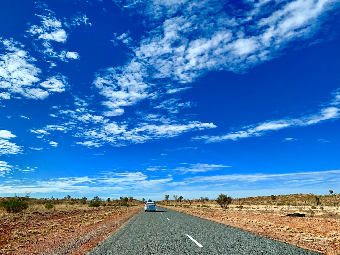 オーストラリアのドライブウェイ