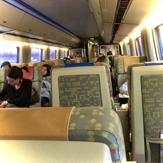 VIA鉄道の内装の写真