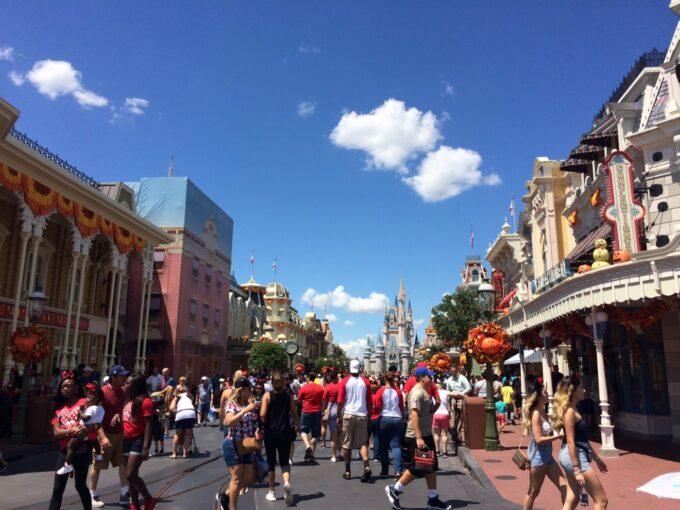 ディズニーワールドの道の写真
